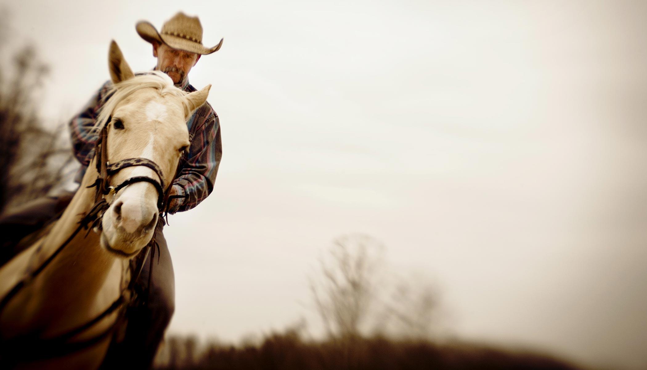 Life-marlboro-man-horse-cowboy